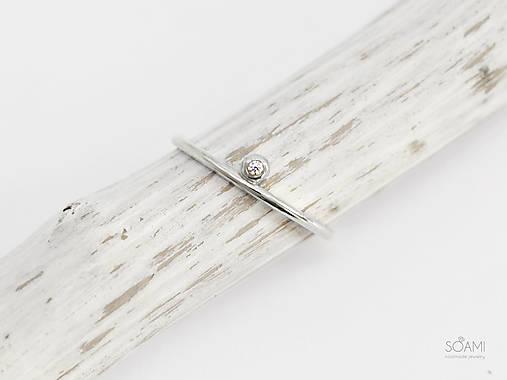 Prstene - 585/1000 zlatý zásnubný prsteň s prírodným diamantom (biele zlato) - 9846461_