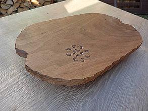 Pomôcky - Drevená orechová podložka s rezbou - 9846120_