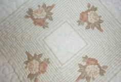 Úžitkový textil - Patchworková deka NEŽNÉ KVIETKY  (rozmer 218 x 218 cm) - 9849699_