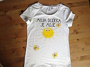 """Tričká - Mamkodcérovské maľované duo tričiek (Dámske tričko s nápisom """"(meno) je moje"""") - 9852174_"""