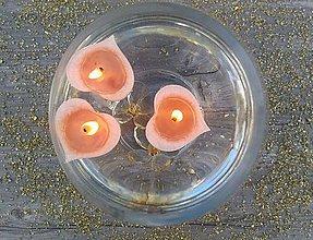Svietidlá a sviečky - Plávajúca sviečka -   béžové vanilkové srdiečko - 9857449_