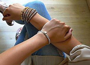 Náramky - Dámsky wrap náramok BRYXI z akvamarínu a prírodné perlete - 9854781_
