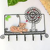 Nábytok - vešiak s mačičkou - 9859428_