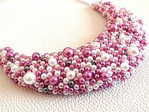 Náhrdelníky - Fialovo-bielý náhrdelník - 9858302_
