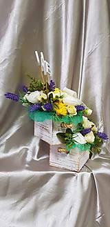 Dekorácie - Veľký kvetinový aranžmán v pastelových farbách s nápisom HOME - 9858633_