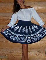 Sukne - Suknica Biely folklór na tmavomodrej - 9861172_