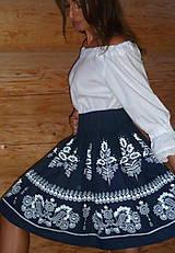 Sukne - Suknica Biely folklór na tmavomodrej - 9861175_