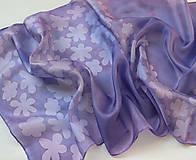 Šály - Fialová vlna kvetov..hodvábny šál - 9863167_
