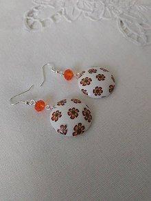 Náušnice - náušnice biele okrúhle s oranžovými kvietkami - 9861639_