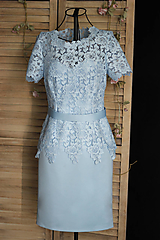 Šaty - Púzdrové šaty s rukávikom z hrubšej krajky rôzne farby - 9862246_