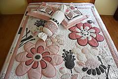 Úžitkový textil - Krajina divých kvetov - motýľ -rúžovo -šedé prevedenie - 9862860_