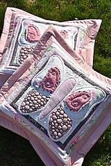 Úžitkový textil - Krajina divých kvetov - motýľ -rúžovo -šedé prevedenie - 9862872_