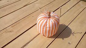 Dekorácie - tekvica (Oranžová a biela pásiky) - 9864554_