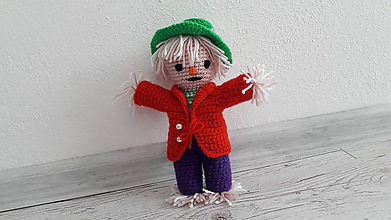 Hračky - strašidielko v červenom kabáte - 9865393_