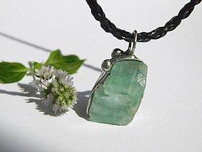 Náhrdelníky - Smaragdový kalcit - tiffany - 9867630_