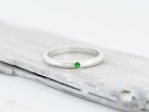 Prstene - 925/1000 Strieborný prsteň obrúčka, zásnubný s prírodným tsavoritom, zeleným granátom - 9866564_