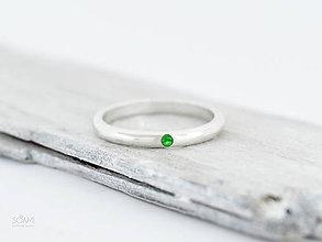 Prstene - 925 Strieborný prsteň obrúčka, zásnubný s prírodným tsavoritom, zeleným granátom - 9866564_