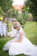Ozdoby do vlasov - Romantický kvetinový pletenec - 9867998_