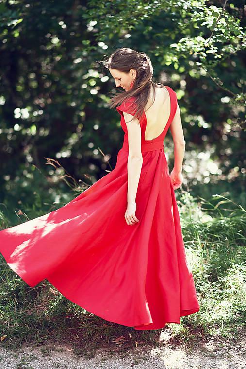 Dlhé červené ľanové šaty