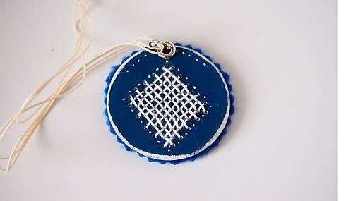 Náhrdelník modrý vyšívaný FOLK