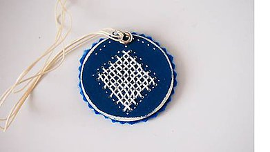 Náhrdelníky - Náhrdelník modrý vyšívaný FOLK - 9866893_