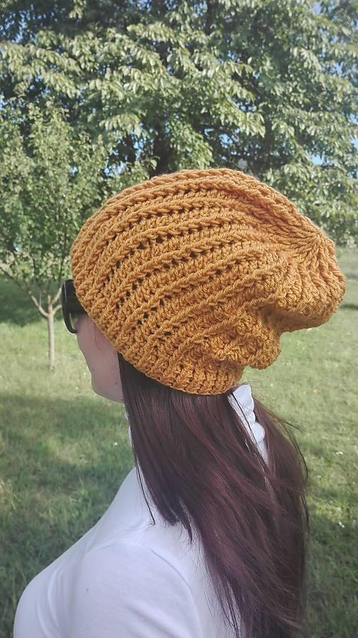 Predĺžená háčkovaná čiapka, homeleska horčicovej farby