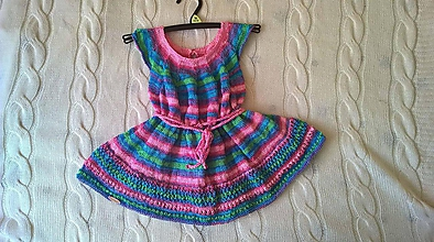 Šaty - Pletené dievčenské šaty - 9866410_