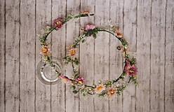 Ozdoby do vlasov - Romantický kvetinový pletenec - 9868253_