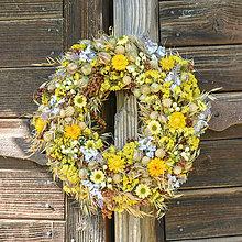 Dekorácie - Prírodný venček na dvere - 9871020_