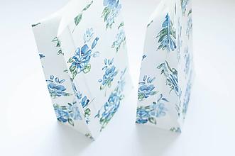 Obalový materiál - Darčekové vrecko - kvety - 9870224_