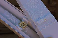 Svietidlá a sviečky - Dlhá sviečka na krst a krabička na košieľku. - 9869698_