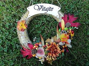 Dekorácie - Jesenný veniec s nápisom VITAJTE. - 9868738_