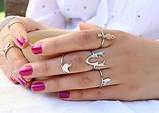 Prstene - strieborný prsteň CUTE WILDNESS - vtáčik na konári - 9869344_
