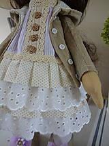 Bábiky - Béžovofialová bábika v klobúku - 9871785_