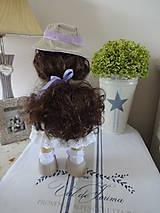 Bábiky - Béžovofialová bábika v klobúku - 9871788_