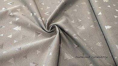 Textil - Látka pretkávaná lurexovou niťou - trojuholníčky strieborné na šedom - cena za 10 cm - 9872565_