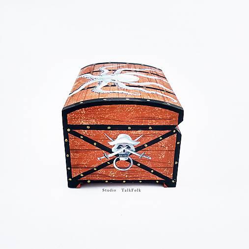 Ručne maľovaná pirátska truhlička
