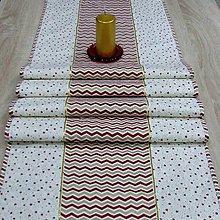 Úžitkový textil - Zlato červené hviezdičky a chevron na smotanovej - stredový obrus 170x40 - 9874152_