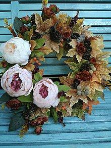 Dekorácie - Jesenný venček s pivonkami - 9877029_