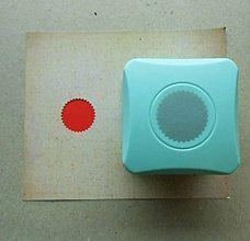 Pomôcky/Nástroje - Magnetická dierovačka na papier - zúbkovaný kruh - 9877507_
