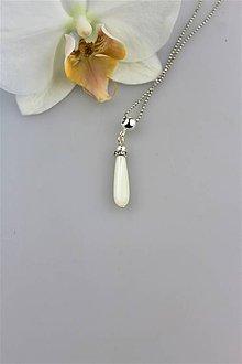 Náhrdelníky - perleť prívesok slzička v striebre - 9878173_