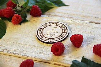 Darčeky pre svadobčanov - Drevená svadobná magnetka - 9879785_