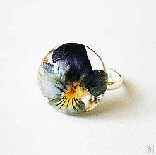 Prstene - Handmade živicový kruhový prsteň so sirôtkou - 9882881_