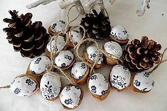 Dekorácie - Vianočné oriešky modrotlač naopak - 9881096_