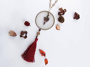 Náhrdelníky - Náhrdelník dlhý: Lapač červeno-biely - 9880940_