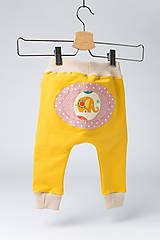 Detské oblečenie - Veselé detské tepláčiky - 9883193_