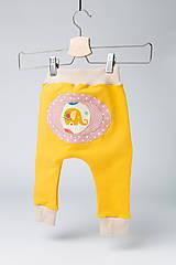 Detské oblečenie - Veselé detské tepláčiky - 9883195_