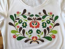 Tričká - Folkové dámske maľované tričko (Jesenné sfarbenie) - 9881049_