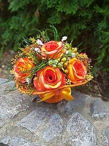 Dekorácie - dekoračný košík s oranžovými ružami - 9884351_