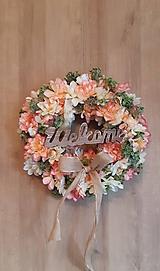 Dekorácie - kvetinový veniec na dvere - 9885263_